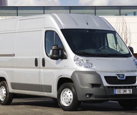 Diesel engine and market ev driven peugeot brings bluehdi diesel engines to boxer commercial vans 6 speed manual stop start fandeluxe Image collections